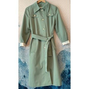 Forecaster of Boston 7/8 1970 Vintage Mint Trench